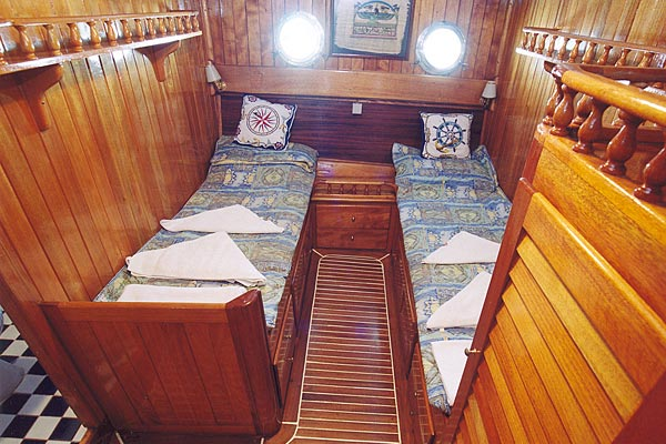 M/S KAYHAN 8, twinbed cabin
